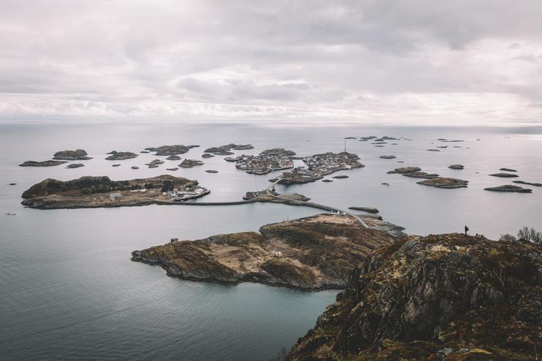 That view. - Pittige wandeling naar Festvågtind. Een punt recht uit de zee met een geweldig uitzicht. Spot je onze kleine kameraad?<br /> <br /> Mak