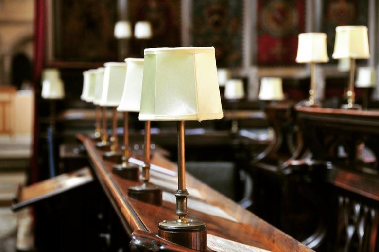 Canterbury cathedral  - mooie lampen in de banken in Canterbury cathedral.