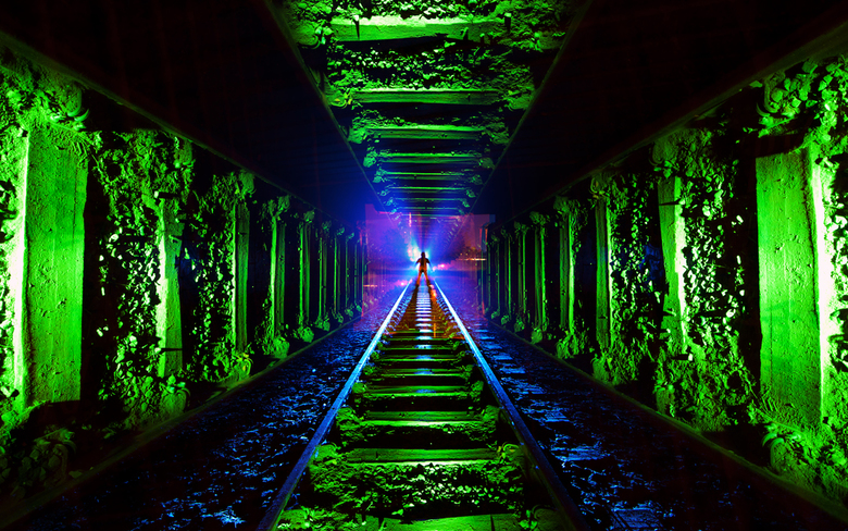 Tunnel Frenzy - ~Voor dit shot heb ik een zelf gemaakte camera-rotatie-tool (CRT) gebruikt. Voor meer uitleg over CRT&#039;s check dit artikel!<br />