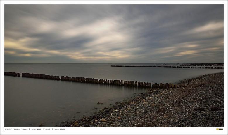 Bewegingsloze stilte.... B&amp;W ND110 - Vanaf het strand bij Dranske op &quot;Rügen&quot; aan het eind van een septembermiddag deze plaat gemaakt. <b