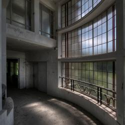 het hoekje om in het sanatorium ?