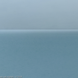 Mist boven Lake Pukaki in Nieuw-Zeeland
