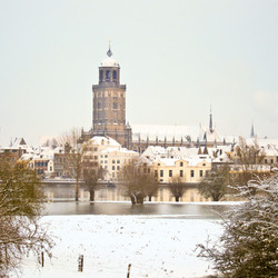Toren Deventer in de winter