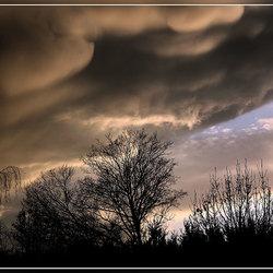 Dreigende wolken 2
