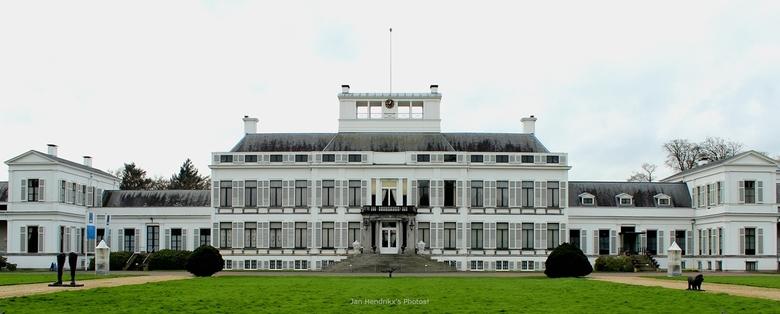 Paleis Soestdijk - Het paleis was van 1948 tot 1980 tijdens de regeerperiode van Koningin Juliana de koninklijke residentie.