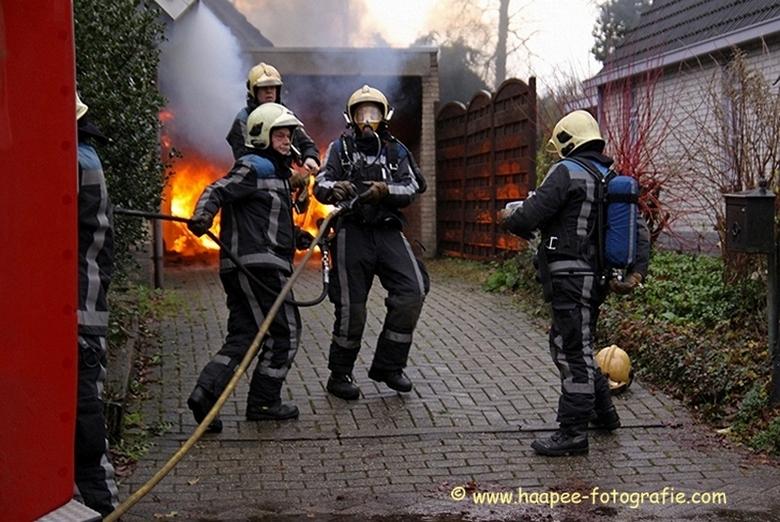 Garagebrand - Brandweer in actie