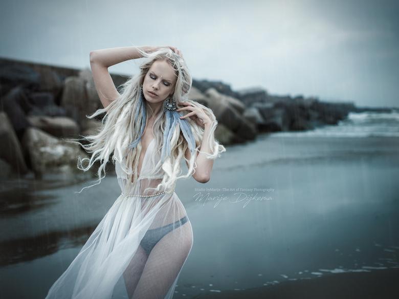 The Voice of the Sea II - Model: @Lara Aimee