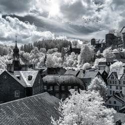 Monschau kerk en burcht