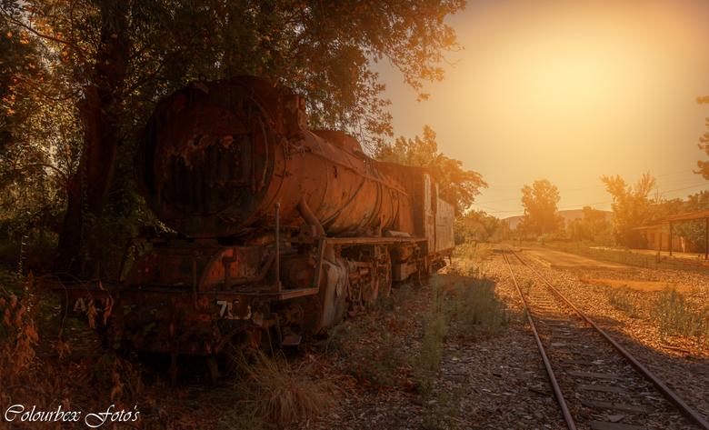 Oops ik ben weer ontspoord... - als je wil gaan joyriden met een trein... Moet je wel eerst weten hoe hij werkt..<br /> <br /> Het was helaas van ko