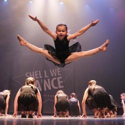 Prachtig danseresje tijdens het Shell We Dance Event