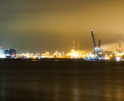 Haven en staalfabriek