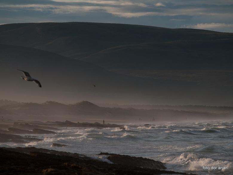 Zeezicht in Schotland - Strand nabij Cornoch in Schotland laat op de dag