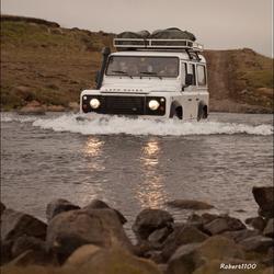 IJsland:  waden door riviertjes