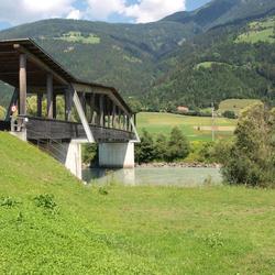 Overdekte brug over de rivier de Drau, Oostenrijk