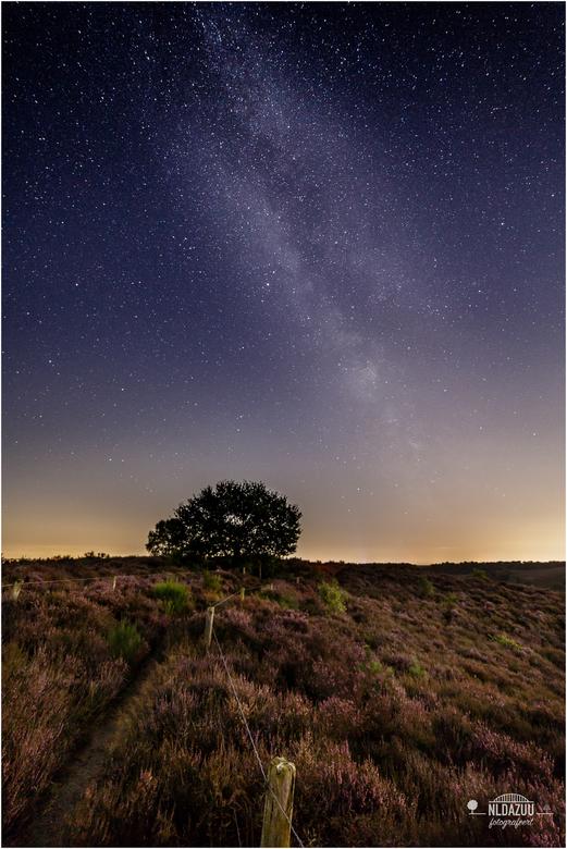 de Posbank en de melkweg  - Gisteravond met fotobuddy Sander Grefte een nieuw element aan de uitgebreide verzameling Posbank foto's kunnen toevoe