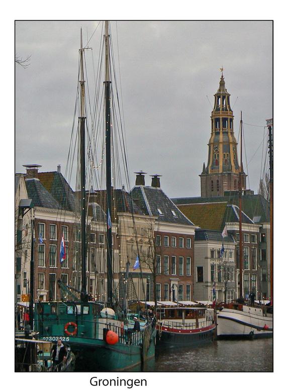 Groningen Hoge der AA  - Gisteren  Groningen bezocht  en natuurlijk  de mooie schepen  bekeken  .  gr bets
