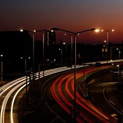 Hubertusviaduct in de avond, Den Haag