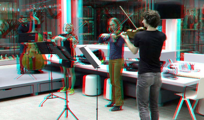 Rotterdams Philharmonisch Orkest in Museum-Rotterdam 3D - Rotterdams Philharmonisch Orkest in Museum-Rotterdam 3D<br /> anaglyph stereo red-cyan  W3