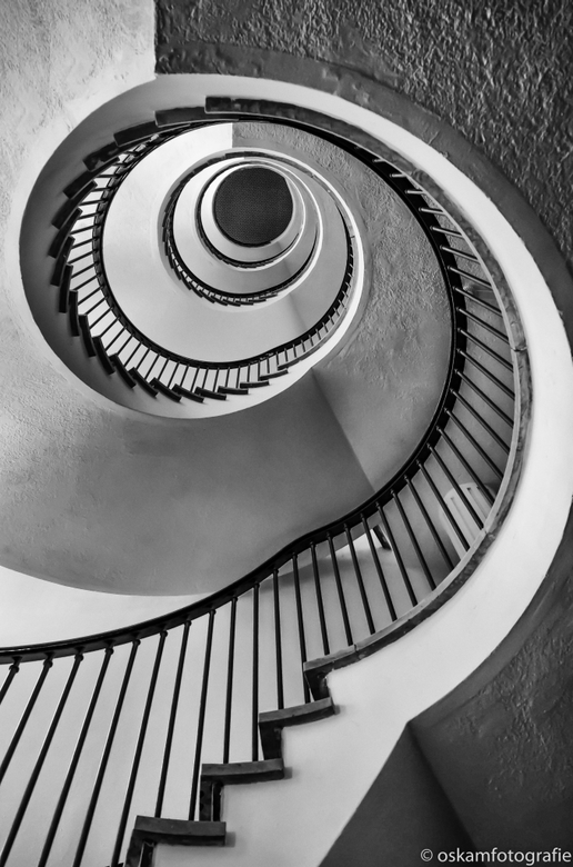 an eye for an eye - Ik ben weer helemaal bezig met mijn passie voor trappen.<br /> Afgelopen zaterdag was het de Dag van de Architectuur in Den Haag
