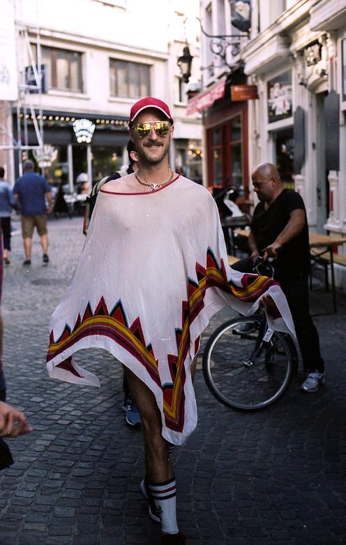 Straatfotografie  - Pride festival Antwerpen <br /> <br /> Nikon F2<br /> Kodak portra 400