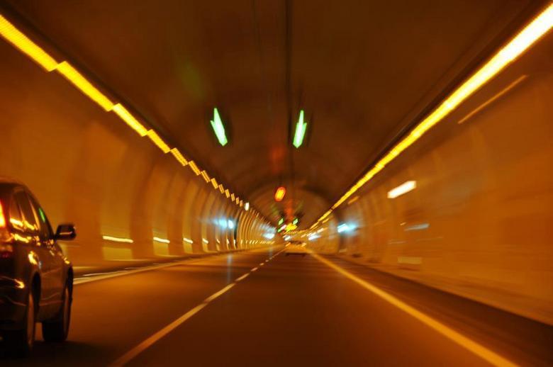 Velocity - Alhambra tunnel