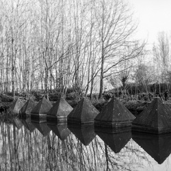 Piramides in water