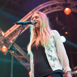 Sandra van Nieuwland