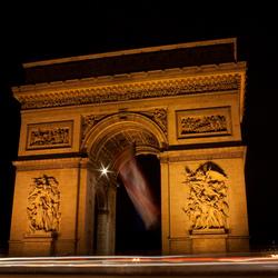 Dodenherdenking bij L'arc de Triomphe