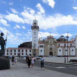 P1060737 Tenerife sfeer   ShiftN  plein Basilica Virgen de La Candelaria 21 mei 2019