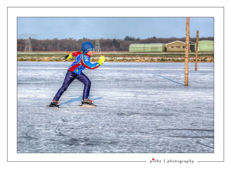 De nieuwe Sven Kramer - Dit sportieve jochie trof ik vrijdagmiddag 18 januari 2013 aan op de ijsbaan van Ouwsterhaule, vlakbij Joure.<br /> <br /> G