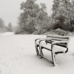 Bankje in de (eerste) sneeuw