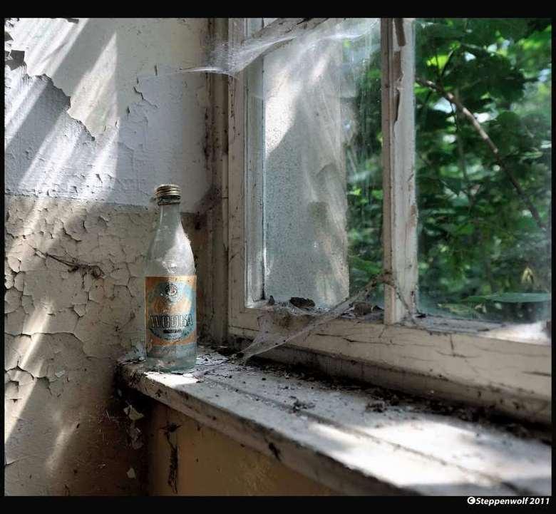 Sanatorium T. VIII - Stille getuige van de Russische gebruikers van dit  verlaten militaire sanatorium ergens in het oosten van Duitsland...