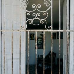 Cuba, land behind bars