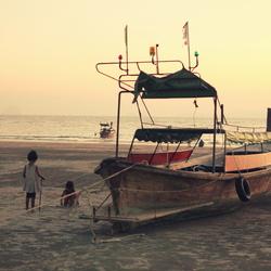 strandkinderen in Thailand