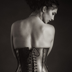Mischkah with corset