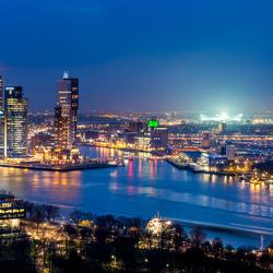 Rotterdam Skyline - de Kuip in de spotlights