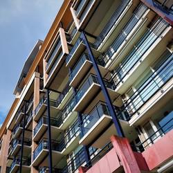 Woontoren balkons.