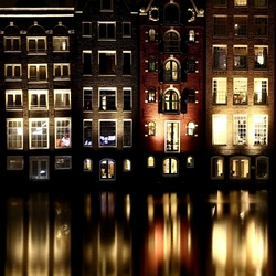 Amsterdam Damrak by night