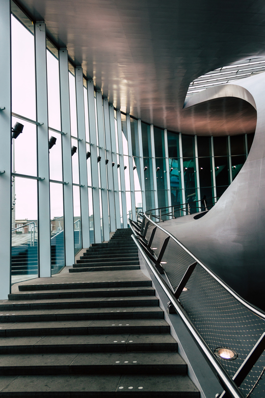 There is no elevator to success you have to take the stairs - Trap in de stationshal van Arnhem