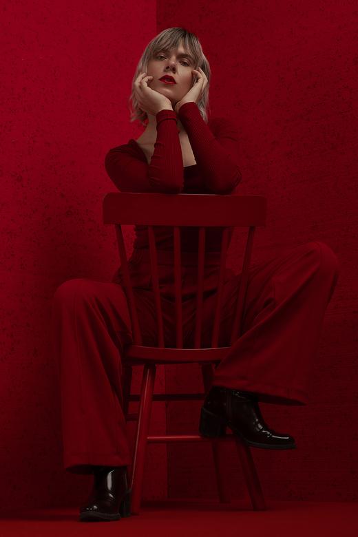 Lady in red - Model: Chloë de Witte<br /> Hair &amp; Make-up: Bruce Rademakers<br /> Styling: Jasmien Wederfoort<br /> Photography: Daniëlle Peeter