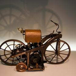 Eerste motorfiets
