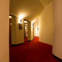 Een blik in een leeg theater Carré