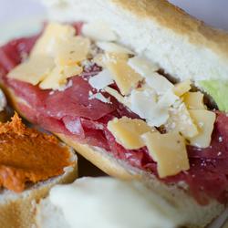 Carpaccio sandwich