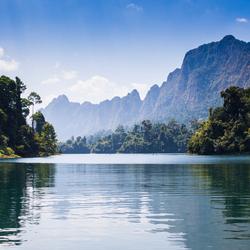 Chieow Laan Lake