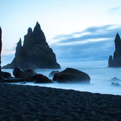 Middernacht op Reynisfjara, IJsland