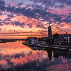 Kleurrijke zomeravond over Deventer