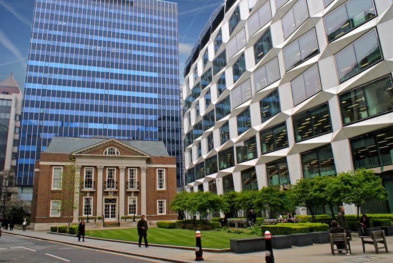 London - old and new - Opmerkelijk contrast tussen oud en nieuw Londen.