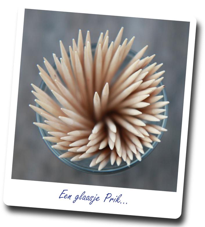 """Glaasje prik - Een glaasje tandenstokers <img  src=""""/images/smileys/smile.png""""/>"""