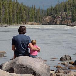 Vader en dochter in de zon