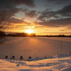 Een winterse zonsondergang